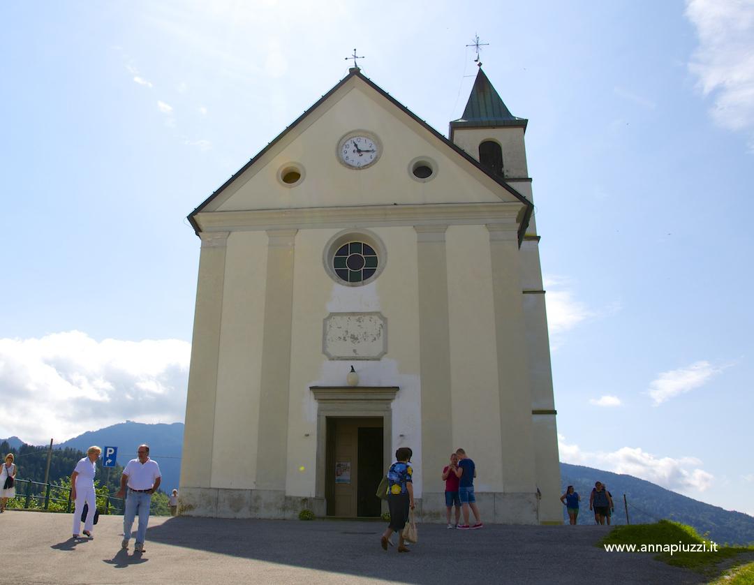 La chiesa di Tualis