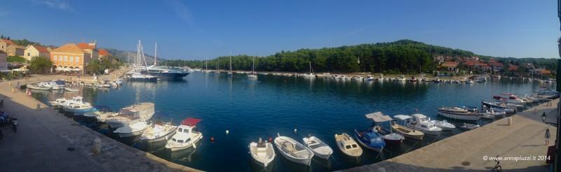 La vista sul porto di Stari Grad