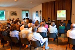 Il pubblico all'incontro con Agnese Castellarin.